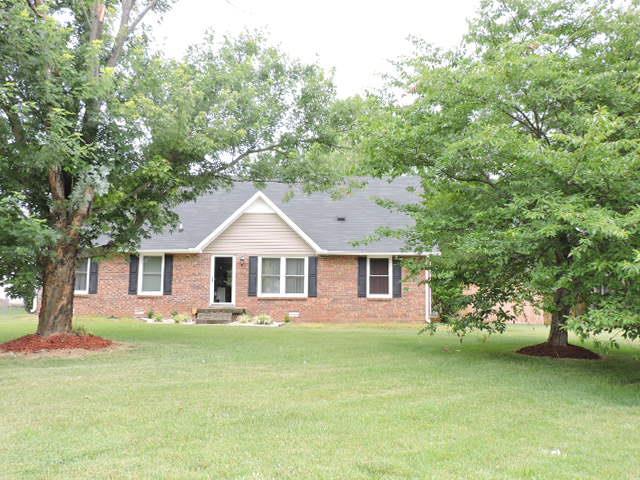 444 Cunningham Ln, Clarksville, TN 37042