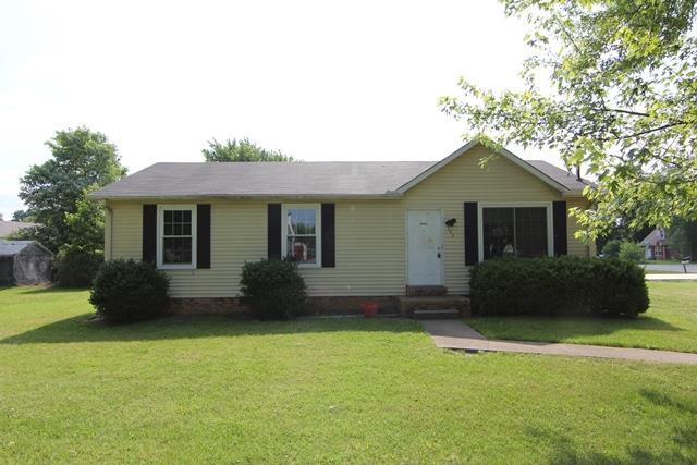 393 Roselawn Dr, Clarksville, TN 37042