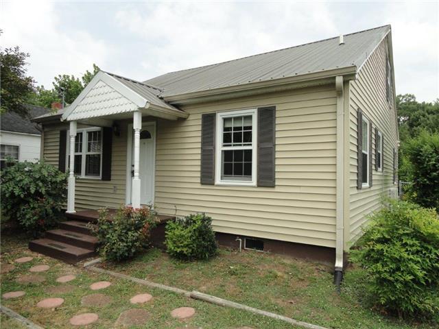 319 E Hogan St, Tullahoma, TN 37388