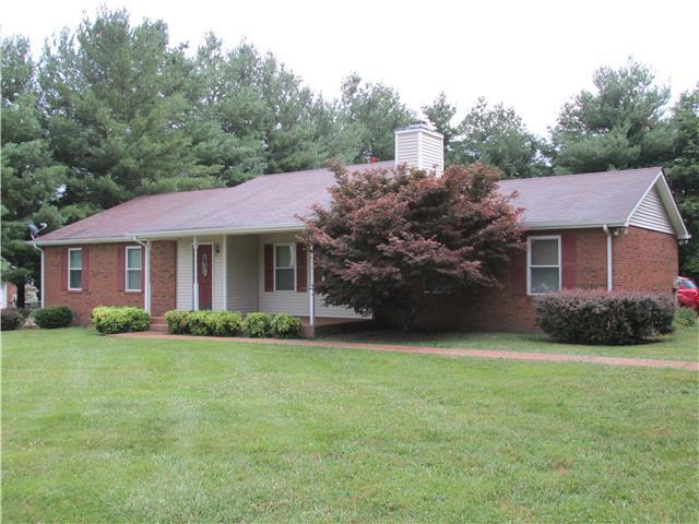 208 Lone Oak Dr, White House, TN 37188
