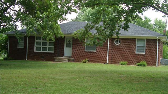 1 Richmond Dr, Clarksville, TN 37042