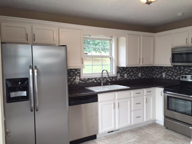 967 Granny White Rd, Clarksville, TN 37040