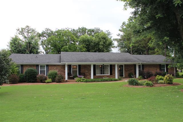 2977 Parkwood Dr, Murfreesboro, TN 37128