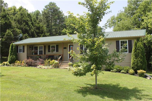 156 N High St, Mount Pleasant, TN 38474