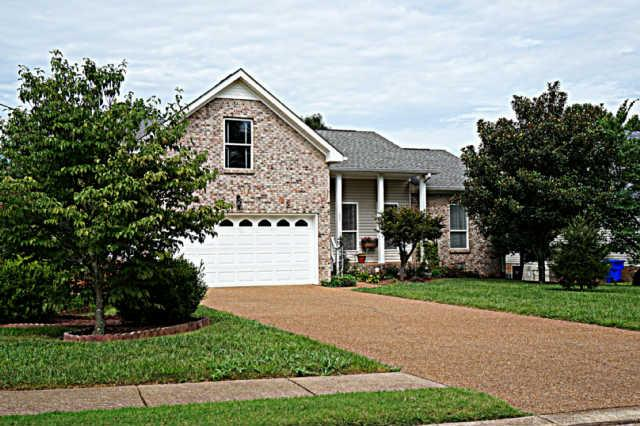 203 Hunterwood Dr, White House, TN 37188