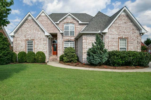 2943 Runnymeade Dr, Murfreesboro, TN 37127