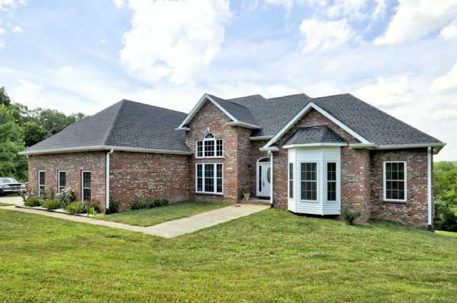 2039 Outlaw Rd, Woodlawn, TN 37191