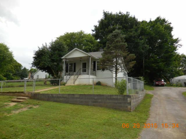 1704 Whatley St, Columbia, TN 38401