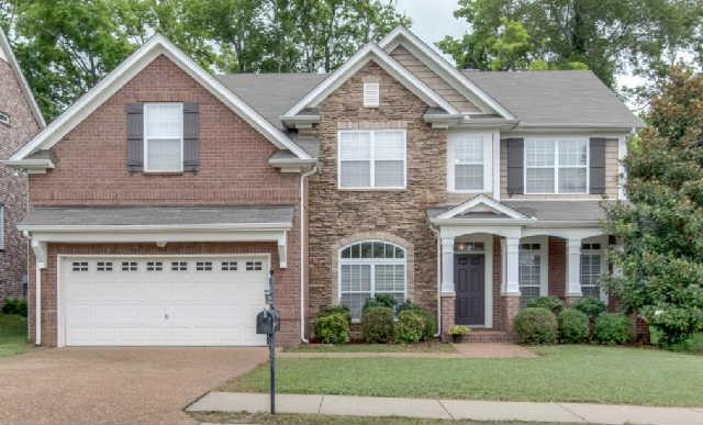 1008 Williford Ct, Spring Hill, TN 37174