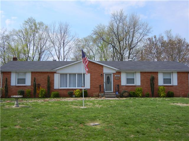 Rental Homes for Rent, ListingId:34653593, location: 2404 Green Acres Drive Clarksville 37042