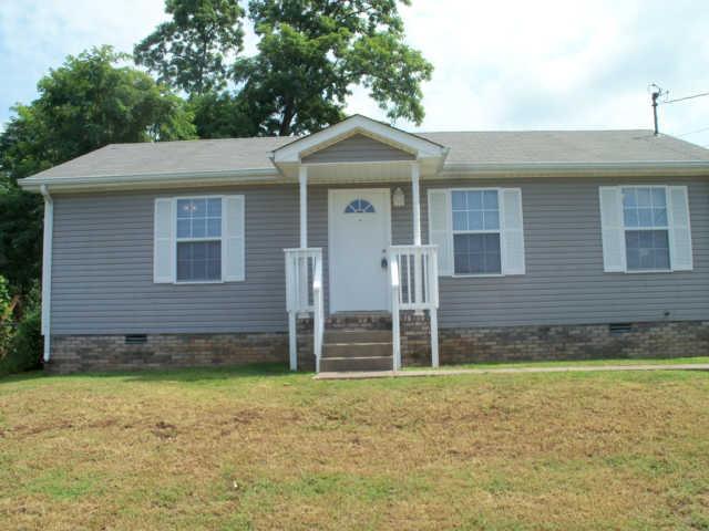 1211 Carol Dr, Oak Grove, KY 42262