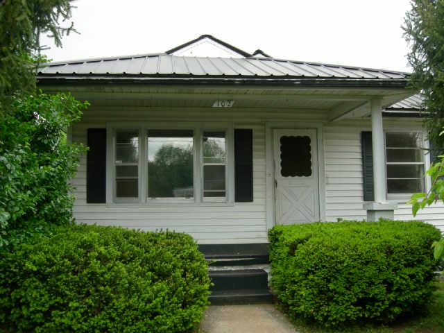 Rental Homes for Rent, ListingId:34798130, location: 102 Yankee St McMinnville 37110
