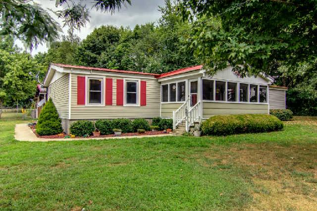 3708 Poplar Creek Rd, Williamsport, TN 38487