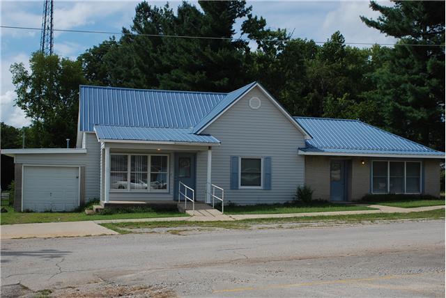 203 Montgomery St, Cowan, TN 37318