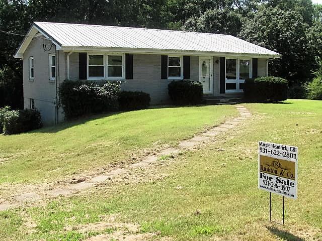 50 Peachtree St, Tennessee Ridge, TN 37178
