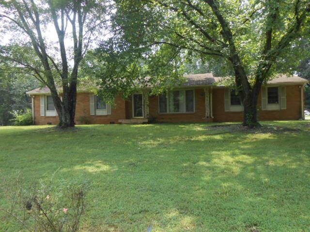 1008 Lakeview Dr, Ashland City, TN 37015