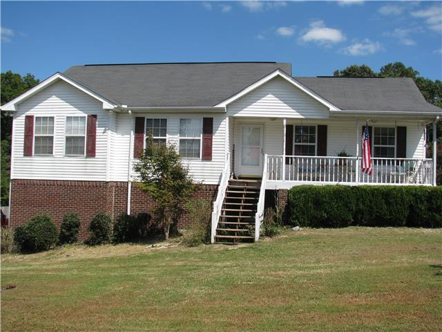204 Meadows Ln, Mc Ewen, TN 37101