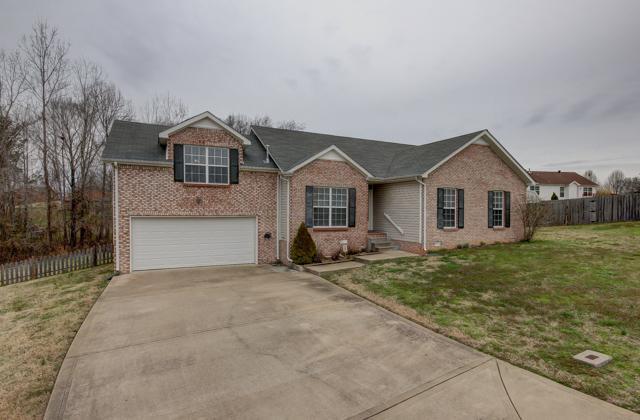 143 Troutbeck Ct, Clarksville, TN 37040