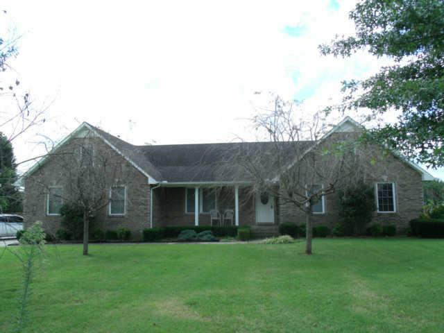 195 Maple Bend Ln, Winchester, TN 37398
