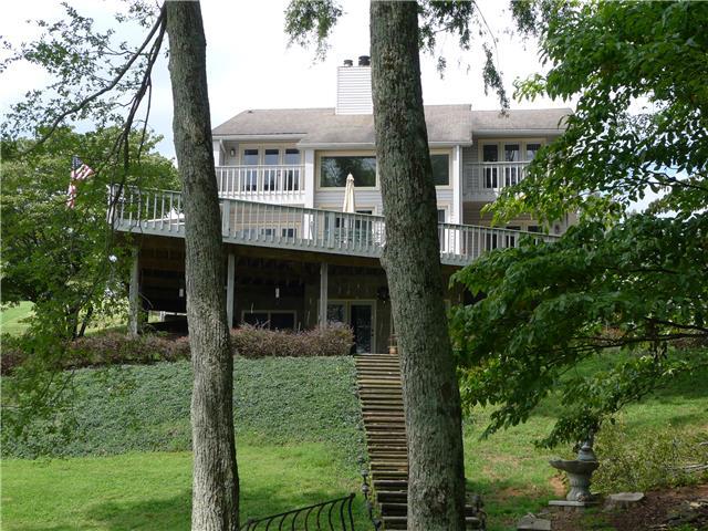 145 Woodland Pt, Estill Springs, TN 37330