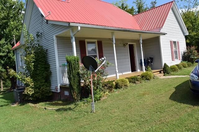 108 College St S, Mc Ewen, TN 37101