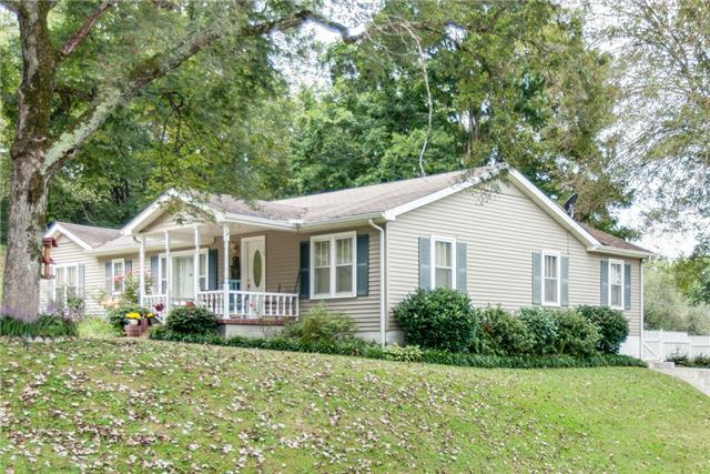 115 Oak Ave, Centerville, TN 37033