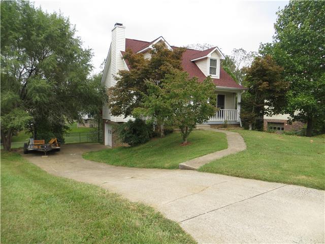 2131 Single Tree Dr, Clarksville, TN 37040