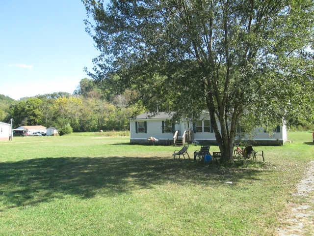 6740 Leipers Creek Rd, Columbia, TN 38401