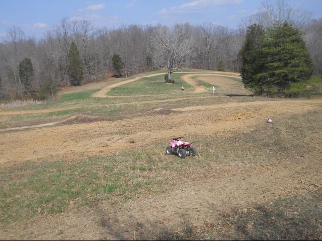 571 Freeman Fielder Rd, Tennessee Ridge, TN 37178