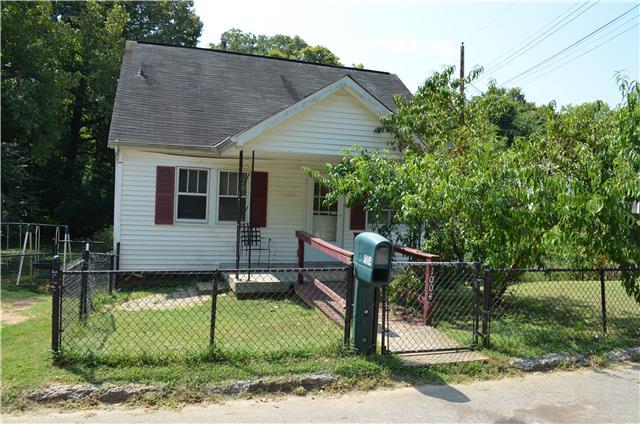 1004 Woodard St, Clarksville, TN 37040