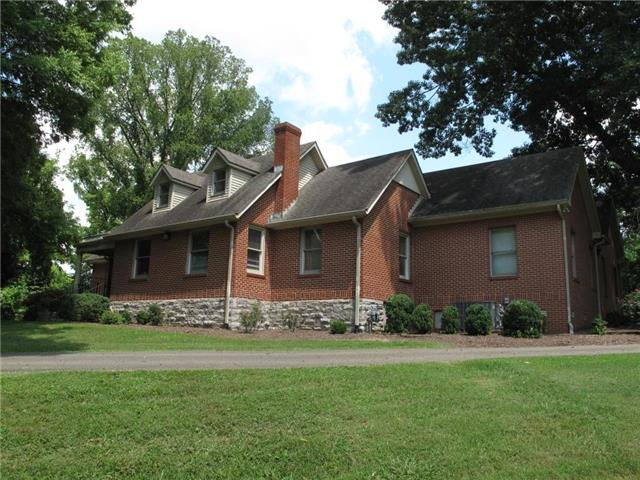 1203 Trotwood Ave, Columbia, TN 38401