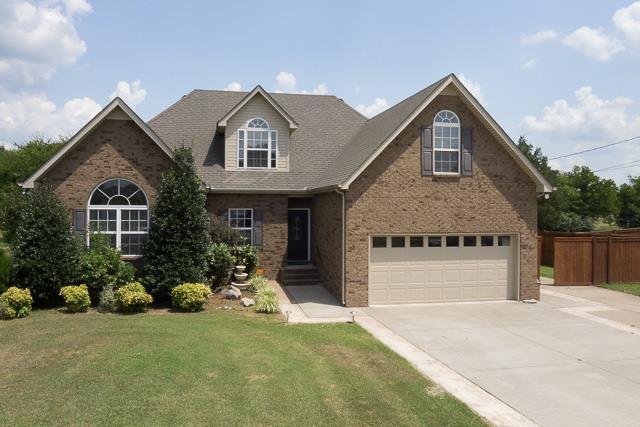 843 Fleming Farms Dr, Murfreesboro, TN 37128