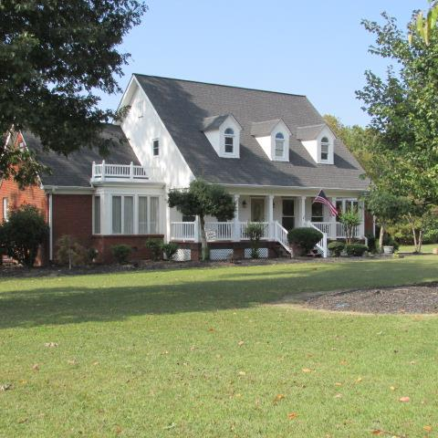 420 River Oaks Dr, New Johnsonville, TN 37134