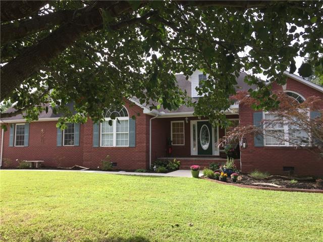 378 Crimson Dr, Winchester, TN 37398