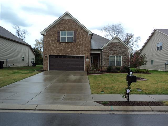 2229 Burnside Dr, Murfreesboro, TN 37128