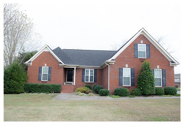 2620 Dorset St, Murfreesboro, TN 37130