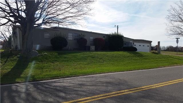 3327 Kinneys Rd, Cedar Hill, TN 37032