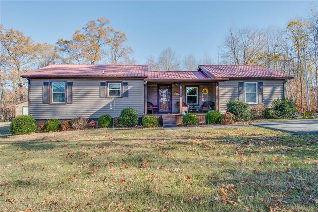 1030 Old Clarksville Pike, Pleasant View, TN 37146
