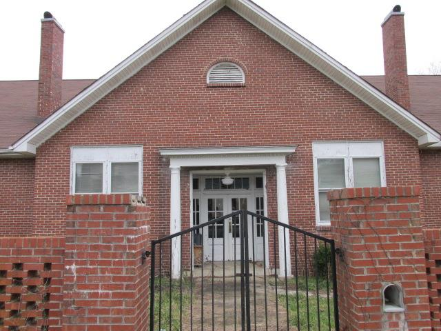 110 College St, Normandy, TN 37360