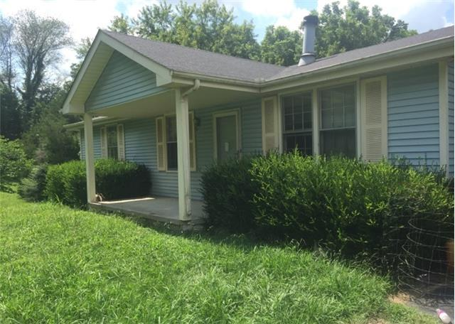 5134 Moore Rd, Greenbrier, TN 37073