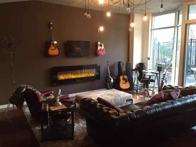 Rental Homes for Rent, ListingId:36760791, location: 600 12th Ave S #203 Nashville 37203