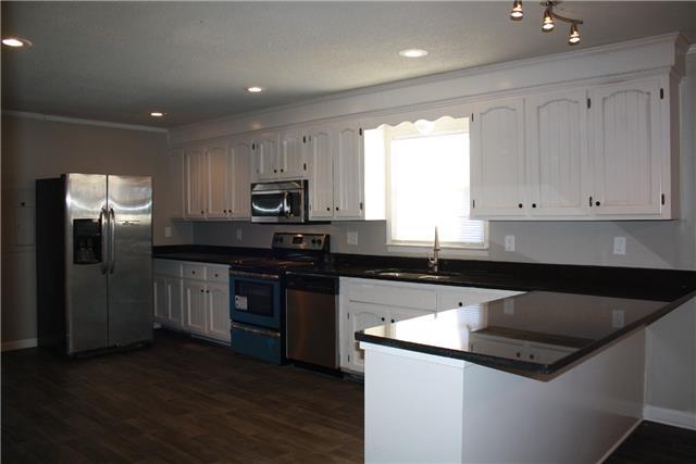 1670 Walter Rd, Clarksville, TN 37043