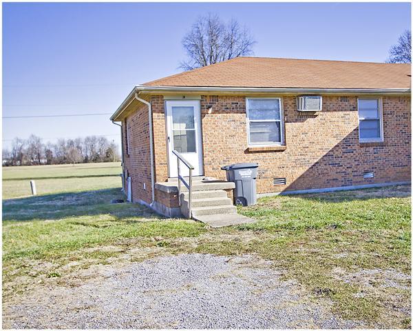 Rental Homes for Rent, ListingId:36916843, location: 151 Airport Rd Unit C Clarksville 37042