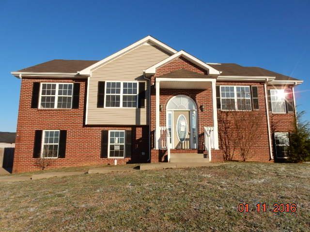 3212 Twelve Oaks Blvd, Clarksville, TN 37042