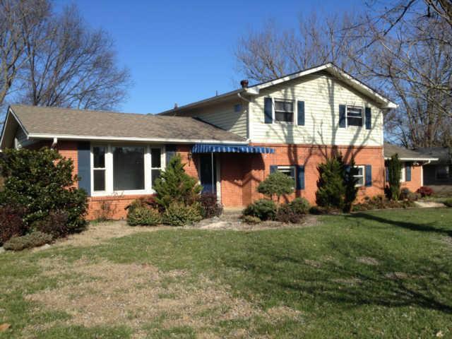 1122 Elliott Dr, Murfreesboro, TN 37129