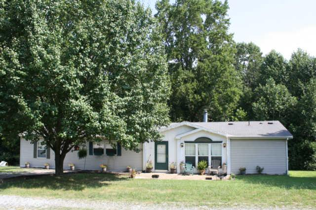 50 Lindsey Rd, Loretto, TN 38469