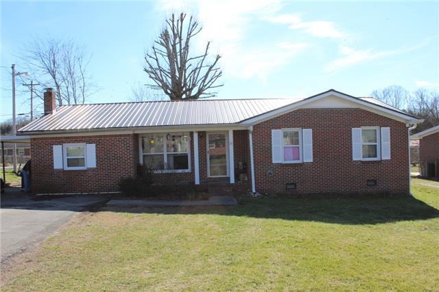 301 Greenbriar St, Woodbury, TN 37190