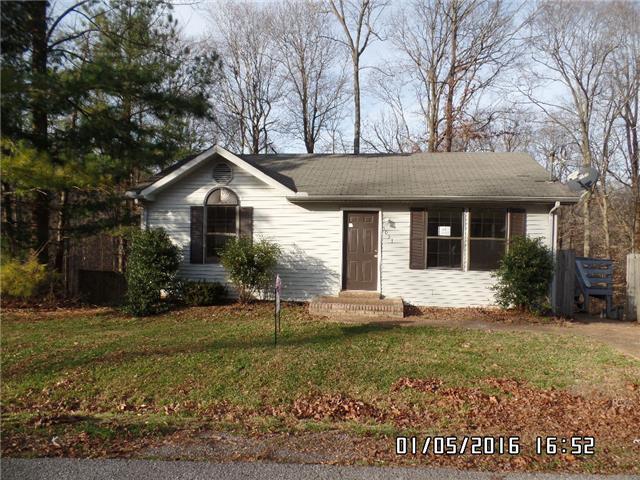 1033 Hollis Ln, White House, TN 37188