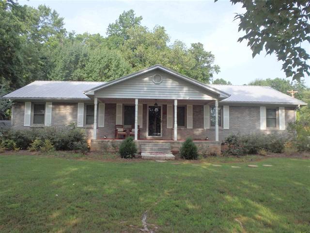 411 S Arrowhead Dr, Mc Minnville, TN 37110