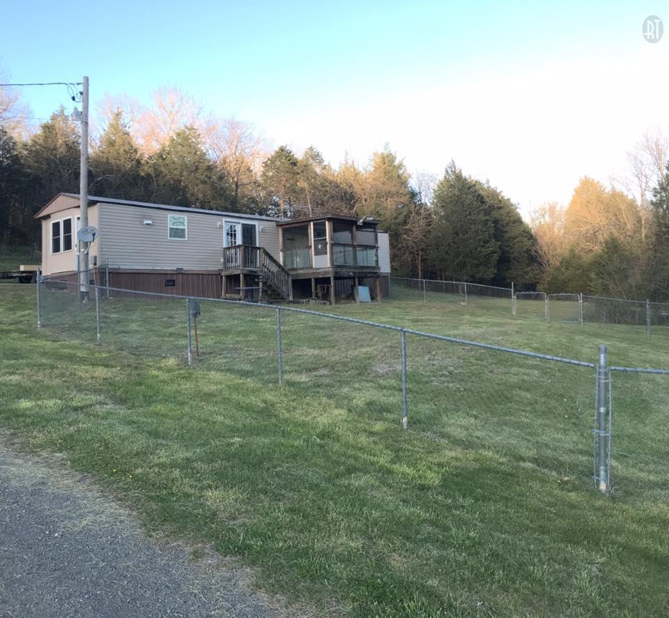 207 Green Hill Rd, Pleasant Shade, TN 37145